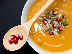 Soupe à la courge butternut et à la patate douce de Food Etcaeteara. www.foodetcaetera.com Salad, Kitchen, Sweet Potato, Cucina, Cooking, Kitchens, Salads, Stove, Cuisine