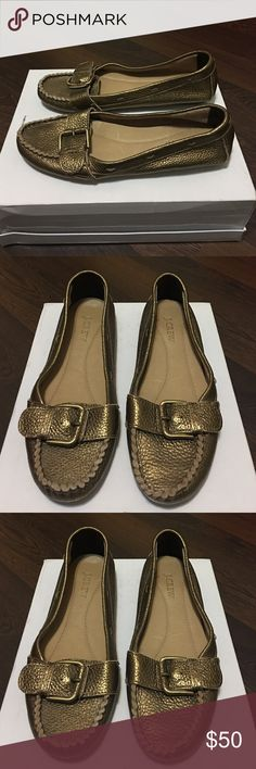 J. Crew soft leather flexible flat loafers sz 8 J. Crew soft metallic leather flexible flats loafers sz 8 great Condition light wear super comfy & stylish J. Crew Shoes Flats & Loafers