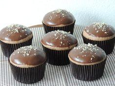 Perníkové muffinky plnené džemom   Angie Cupcake Recipes, Cupcake Cakes, Dessert Recipes, Sweet Desserts, Sweet Recipes, Sweets Cake, 20 Min, Christmas Baking, Amazing Cakes