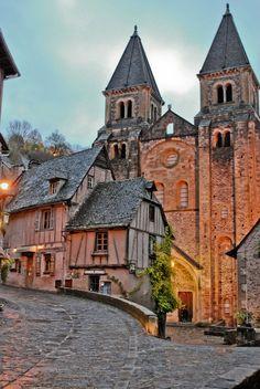Aveyron - Conques, Midi-Pyrenees, France (by Francis Fantoni)