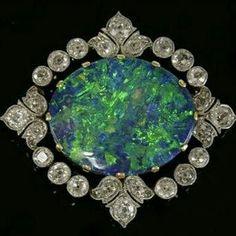 Belle Époque opal and diamonds jewellery
