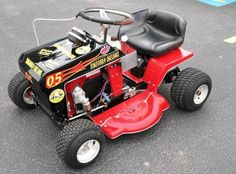 Craftsman Riding Mower 524810162809354998 - pixels Source by billkerber Cool Go Karts, Lawn Mower Tractor, Lawn Tractors, Homemade Go Kart, Lawn Mower Repair, Tractor Pulling, Drift Trike, Riding Mower, Pedal Cars