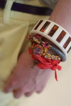 villaRougeのブログ Japan /ray leather bangle with handpainted orchid stones http://www.sabrinadehoff.de/sdshop/product_info.php?products_id=966