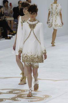 Chanel Fall 2014 Haute Couture Runway Review - theFashionSpot