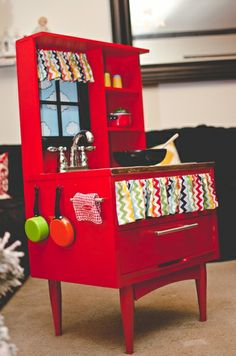 Turn an old end table into a play kitchen!