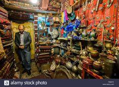 jafars-carpets-and-handi-crafts-store-on-chicken-street-famous-by-F68AFX.jpg (JPEG-Grafik, 1300×958 Pixel)