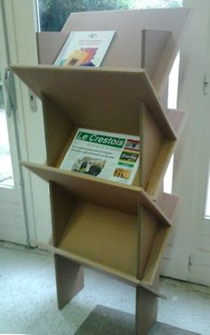 Carton Cardboard Recycling, Cardboard Box Crafts, Cardboard Design, Cardboard Paper, Cardboard Furniture, Funky Furniture, Recycled Furniture, Diy Storage Projects, Diy Organization