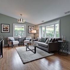 Living room by @bfr_elkgrove in Arlington Heights.