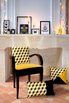 Painted Furniture Modern Chairs 56 Best Ideas - My Home Decor Reupholster Furniture, Upholstered Furniture, Painted Furniture, Furniture Design, Furniture Ideas, Muebles Art Deco, Restaurant Seating, African Home Decor, Trendy Furniture