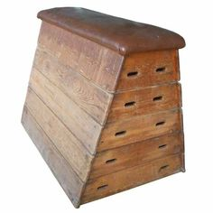 School Hall Vault Box - Great for trapping your fingers in and for generally hurting yourself.