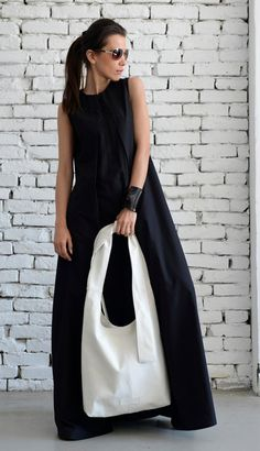 15% OFF White Shoulder Bag/Extravagant Maxi Bag/Cross Body | Etsy Top Casual, Casual Bags, Top Oversize, Black And White Bags, Modest Fashion, Fashion Outfits, Iranian Women Fashion, White Shoulders, White Shoulder Bags