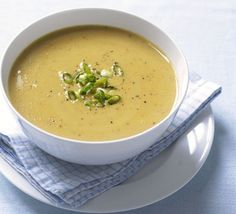 Thai spiced red lentil soup - make sure you use a Thai curry paste that doesn't have sugar in it, as a lot of brands do Bbc Good Food Recipes, Cooking Recipes, Yummy Food, Tasty, Vegetarian Cooking, Vegetarian Recipes, Healthy Recipes, Curry Recipes, Soup Recipes