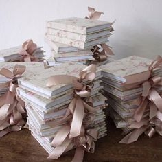 Lembrancinhas para chegada da Camila Bloco com lao Informaes mimosartmimosartcomhellip Bling Wedding, Wedding Cards, Flower Decorations, Wedding Decorations, Diy And Crafts, Crafts For Kids, Baby Shower Souvenirs, Debut Ideas, Acrylic Wedding Invitations
