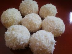 Make and share this Coconut Snowballs recipe from Genius Kitchen. Snowballs Recipe, Coconut Snowballs, Coconut Balls, Coconut Flour, Christmas Desserts, Christmas Treats, Christmas Baking, Christmas Cookies, Holiday Treats