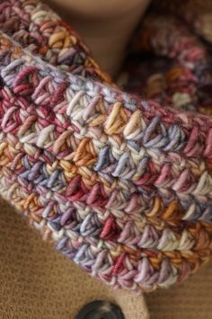 One skein cowl free crochet pattern by LittleDoolally