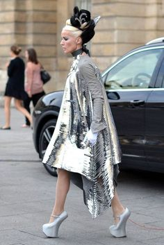 Now I love unique shoes and all, but I think I would make a complete fool of myself if I tried walking in these. Daphne Guinness seems to make out just fine though.