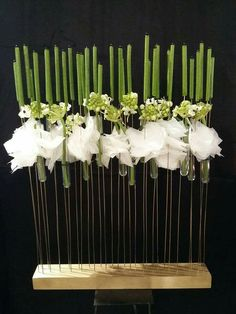 Arte Floral, Deco Floral, Floral Design, Centerpiece Decorations, Floral Centerpieces, Flower Decorations, Ikebana Arrangements, Modern Flower Arrangements, Flower Show