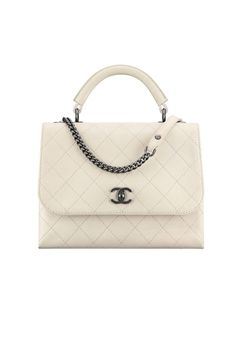 Chanel at Luxury & Vintage Madrid , the best online selection of Luxury Clothing Pre-loved with up to 70% discount