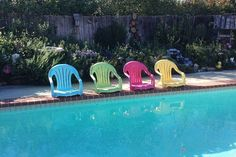 Take the legs off of plain plastic pool chairs and paint them bright, summery colors. Place next to your pool and enjoy dangling your feet in the water on a hot day. pool ideas 10 DIY Ways to Throw a Better Pool Party Do It Yourself Pool, Piscina Diy, Pool Chairs, Backyard Chairs, Backyard Pools, Side Chairs, Indoor Pools, Lawn Chairs, Pool Fence