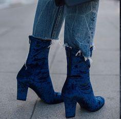 FORAY COLLECTIVE // #shopbyinfluencer, #instagramblogger, #bloggerstyle, #blogger, #stylish, #trendy,#fashionblogger, #influencer, #socialinfluencer, #outfits, #shop, #shopping, #fashiontrends, #fashion, #forwomen, #style, #tofollow, #inspiration, #foray collective, #shoes, #shoe, #fashionableshoes, #booties, #velvet, #bluevelvet, #bluevelvetbooties, #velvetbooties
