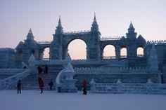 city-of-ice-castle-maifel