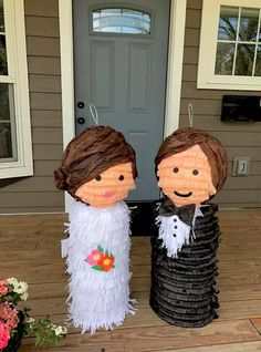 Wedding Pinata, Pub Wedding, Dream Wedding, Wine Cork Ornaments, Christmas Ornaments, Spanish Style Weddings, Homemade Pinata, Bride Pictures, Cork Art