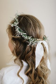 Help your flower girl stand out with a simple wreath-turned-flower-crown. Greenl… Help your flower girl stand out with a simple wreath-turned-flower-crown. Greenlion Design added a ribbon tie to ensure the accessory fit snugly over the little one's head. Little Girl Wedding Hairstyles, Flower Girl Hairstyles, Crown Hairstyles, Bridal Hairstyles, Simple Flower Crown, Flower Girl Crown, Flower Crown Wedding, Flower Girl Headpiece, Flower Crowns