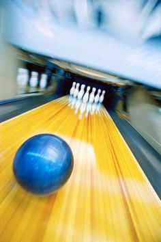 What is a House Oil Pattern in Bowling and How Should You Play One?