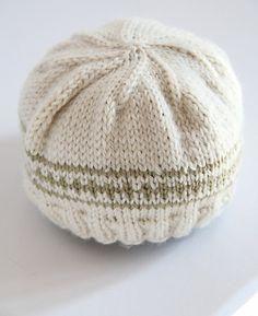 Ravelry: Newborn Hat pattern by epipa (free)