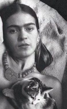 Artist Frida Kahlo de RiveraMore Pins Like This At FOSTERGINGER @ Pinterest