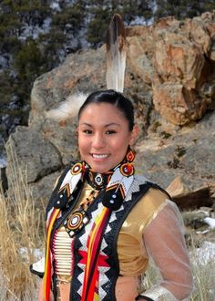Native American Models, Native American Dress, Native American Pictures, Native American Beauty, Native American History, American Indian Girl, Indian Girls, American Indians, Native Girls
