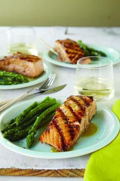 Registered dietician and busy mom Sally Kuzemchak reveals how to make mouthwatering grilled salmon with maple syrup.