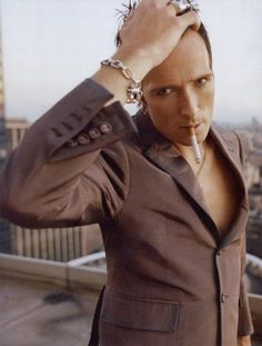 Scott Weiland, Stone Temple Pilots - He's hot. See him perform live and you'll…