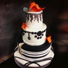 Session 100: The Wedding Cake Project. http://www.outsideofthebreadbox.com/2015/04/culinary-school-session-100.html