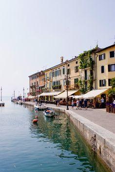 5 tips voor een te gekke roadtrip door Italië. Italy Tourism, Italy Travel, Travel Usa, Lake Garda Italy, Cinque Terre Italy, Italian Lakes, Visit Italy, Holidays With Kids, Roadtrip