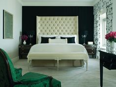 Four Seasons Chicago. The very best the Windy City has to offer! Upscale and well appointed. The rooms are fantastic and customer service is top notch! Black Accent Walls, Black Walls, Wall Accents, Green Accents, Boudoir, Sweet Home, Hotel Suites, Luxury Suites, Hotel Bed