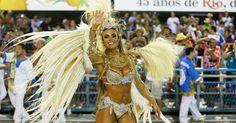 Nicole Bahls é um dos destaques de chão da escola de samba Vila Isabel