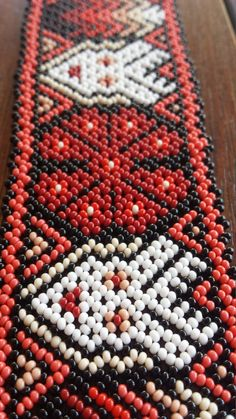 Seed Bead Bracelets, Seed Beads, Diy Jewelry, Jewelry Design, Nativity Crafts, Art For Art Sake, Beading Patterns, Beadwork, Red And White