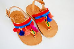 ♥ Our new colorful girls thong sandals Toucan are made for sweet little trendy fashionistas! ♥ Hand decorated with velvet textiles, red pom poms, friendship braids, feathers and tassels. ♥ Our Greek genuine leather sandals are very stable, strong, comfortable and lightweight. ♥