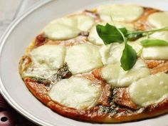 Kylmäsavulohipizza Camembert Cheese, Dairy, Recipes, Food, Eten, Recipies, Ripped Recipes, Recipe, Meals