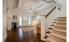 Craftsman style lovely entry