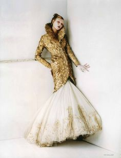 Tim Walker - Photographer  Kate Phelan - Fashion Editor/Stylist  Karlie Kloss - Model #fashion #photography