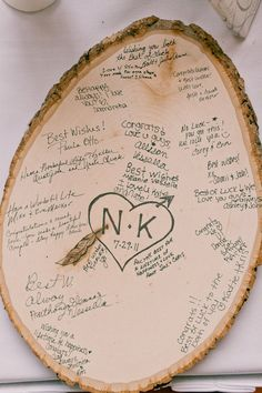 Creative guest book ideas for your fall wedding. Craft Wedding, Diy Wedding, Dream Wedding, Wedding Decorations, Wedding Centerpieces, Wedding Table, Romantic Decorations, Wedding Trees, Camping Wedding