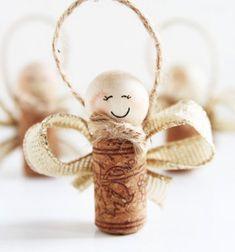 Wine cork angels - Christmas tree ornament with wine cork // Parafadugó angyalkák - karácsonyfadísz parafadugóból // Mindy - craft tutorial collection // #crafts #DIY #craftTutorial #tutorial #ChristmasCrafts #Christmas