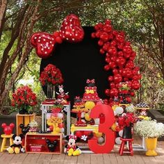 Minnie Mouse Birthday Decorations, Minnie Mouse Theme Party, Fiesta Mickey Mouse, Mickey Mouse Clubhouse Birthday, Mickey Birthday, Mickey Party, Birthday Goals, Mouse Parties, Deco Candy Bar