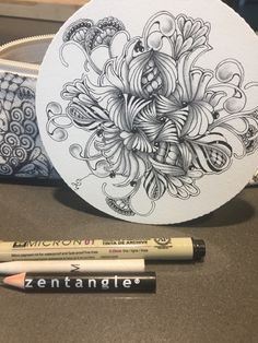 #zentangle #tangled Tangle Doodle, Tangle Art, Doodle Art, Tangled, Doodles, Personalized Items, Drawing, Atelier, Zentangle Patterns