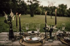 Foto: Sophie Häusler Photography Make Up & Haare: Bianca Krispel  Brautkleid: Simone Steiner Bridal Couture Papeterie HERZDRUCK Up, Candles, Couture, Table Decorations, Home Decor, Style, Paper Mill, Newlyweds, Bridal Gown