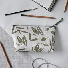 Handprinted linen project pouch or pencil case. Made especially for Home&Fleur Apps For Bloggers, Makeup Pouch, Linen Bag, Fern, Zipper Pouch, Textile Design, Pouches, Printmaking, Zip Around Wallet