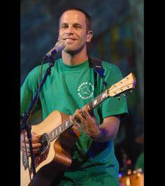 Hawaiian born musician, Jack Johnson, is a vegetarian