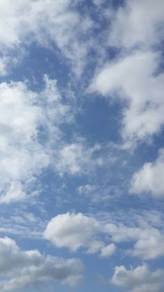 Blue Sky Wallpaper, Cloud Wallpaper, Screen Wallpaper, Wallpaper Backgrounds, Pretty Sky, Beautiful Sky, Blue Clouds, Sky And Clouds, Aesthetic Iphone Wallpaper